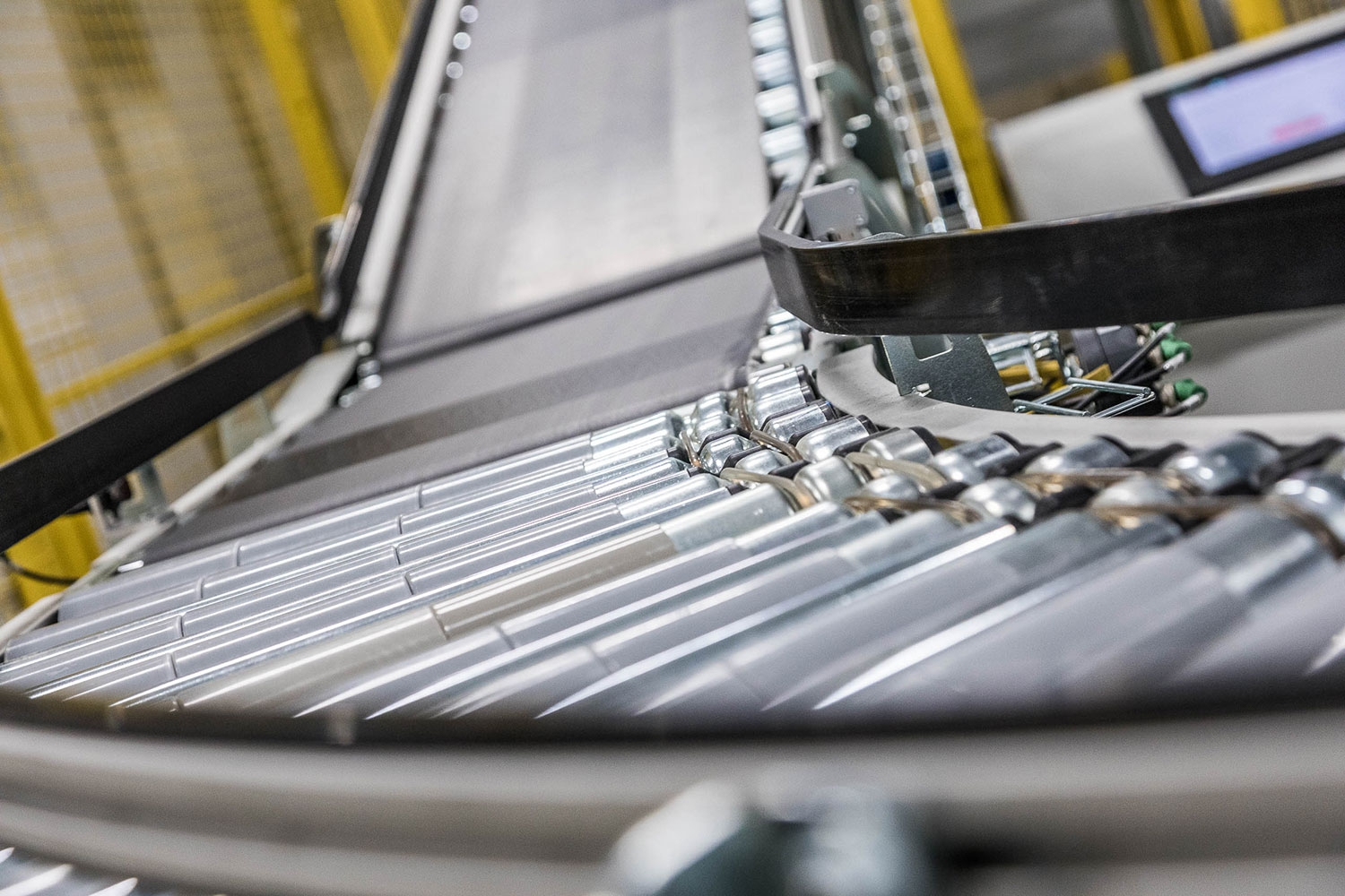 Belt or Powered Roller Conveyors? - Dimension Scanner by Scaletronic